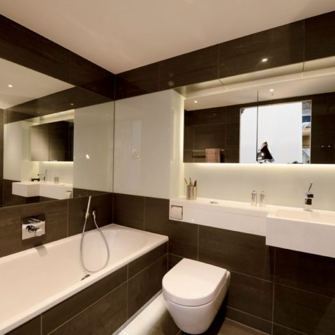 Luxury apartment prefabricated pod, bathtub and shower 4 pieces.